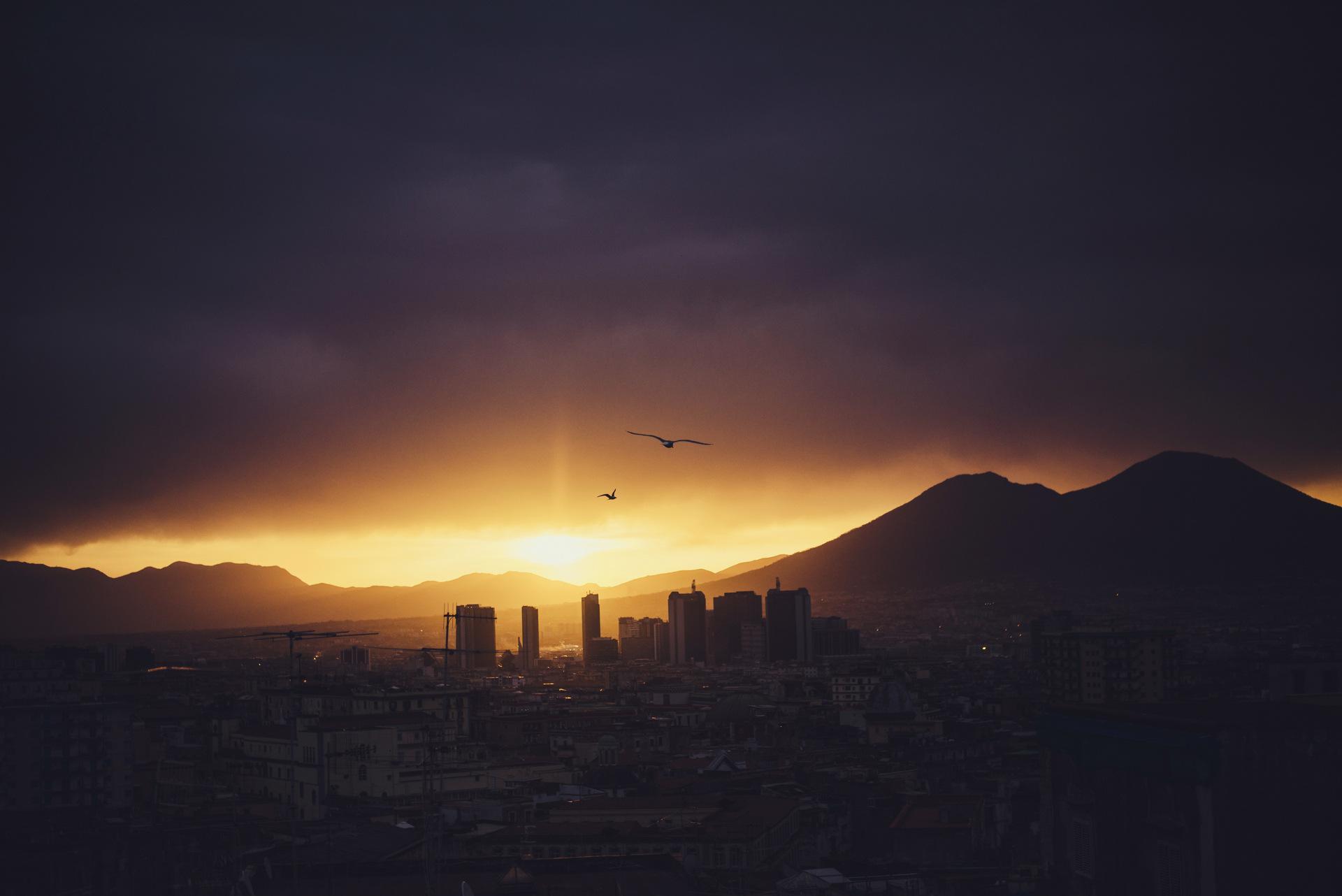 wschód słońca nad wezuwiuszem