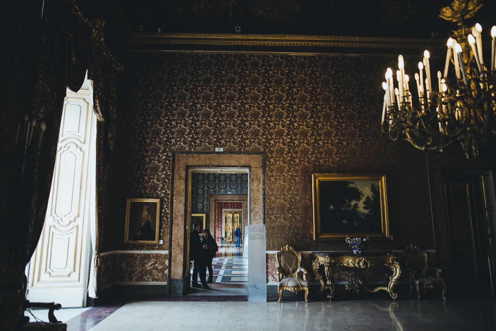 palazzo reale neapol