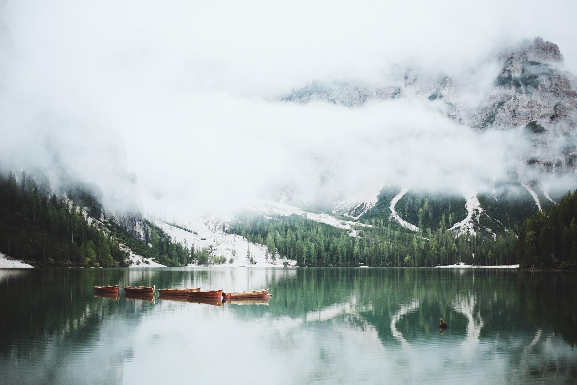 Lago di Braies dolomity